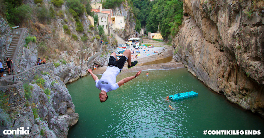 contiki-legends-social-wall-tweetwall-travel-marketing-social-influencers
