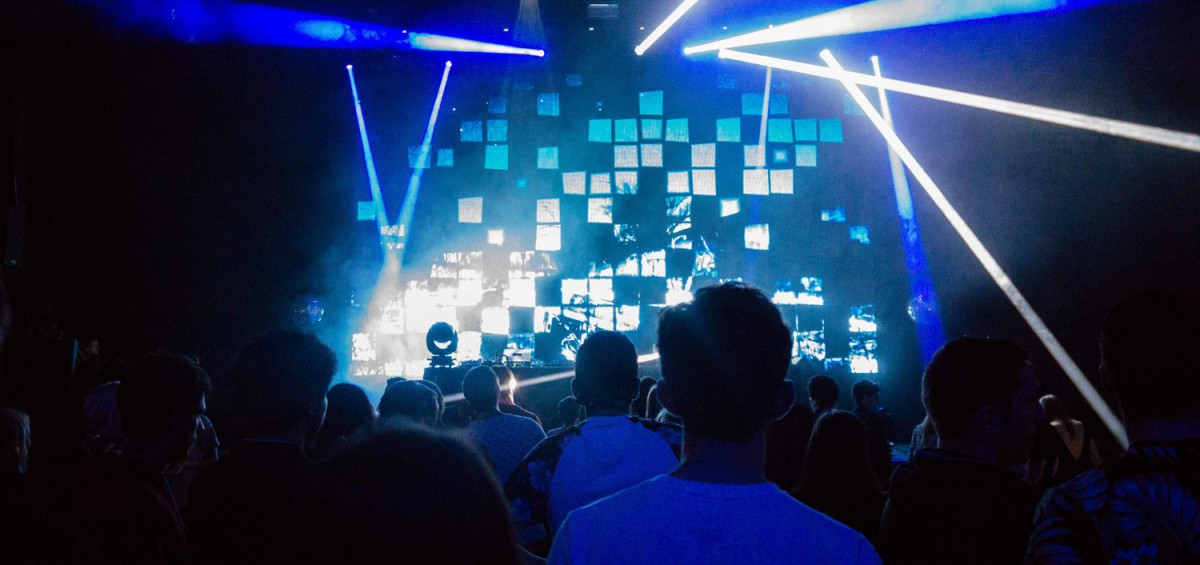 social-tweet-wall-concert-instagram-music